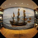 Blick in das Maritime Museum: Großmodell der Wapen von Hamburg. © vdl