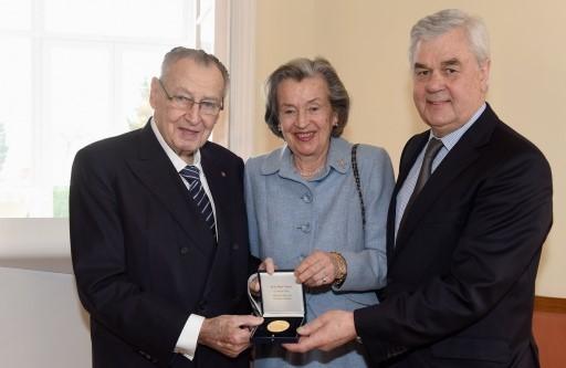 Von links nach rechts: Prof. Peter, Ursula Tamm und Senator Frank Horch (Foto: Michael Zapf)