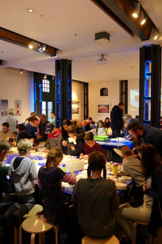 Familiensonntag Schiffbauwerkstatt Schiffbau Internationales Maritimes Museum Hamburg Sonntag Kinderprogramm Basteln Schifffahrt Schiff Familienprogramm Veranstaltung DIY Kinderspaß