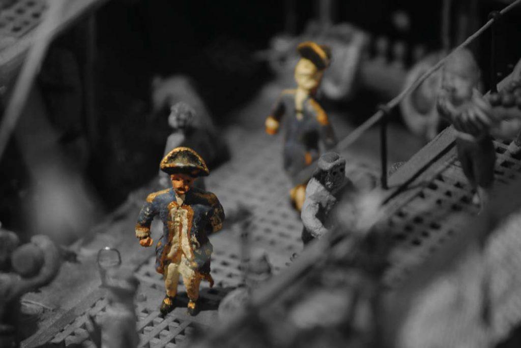 Offiziere der Royal Navy am Bord der Fregatte.