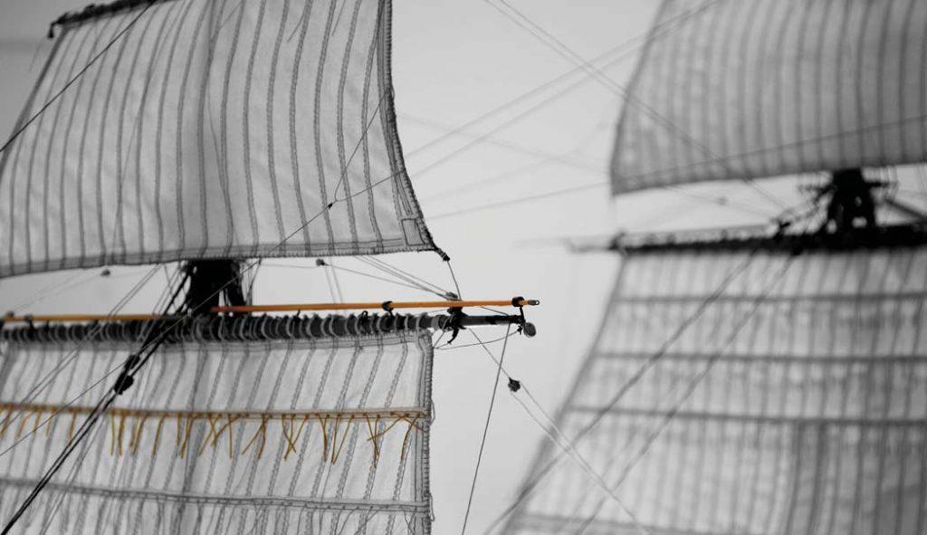 Die Segel der Fregatte. Internationales Maritimes Museum Hamburg.