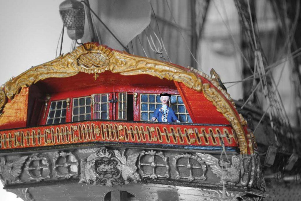 Die Heckgalerie des Schiffes, ein Privileg des Kapitän der Fregatte. Internationales Maritimes Museum Hamburg.