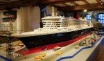 Die Queen Mary 2 im Masßtab 1:50 aus Lego, auf Deck 1 des Internationalen Maritimen Museum Hamburg.