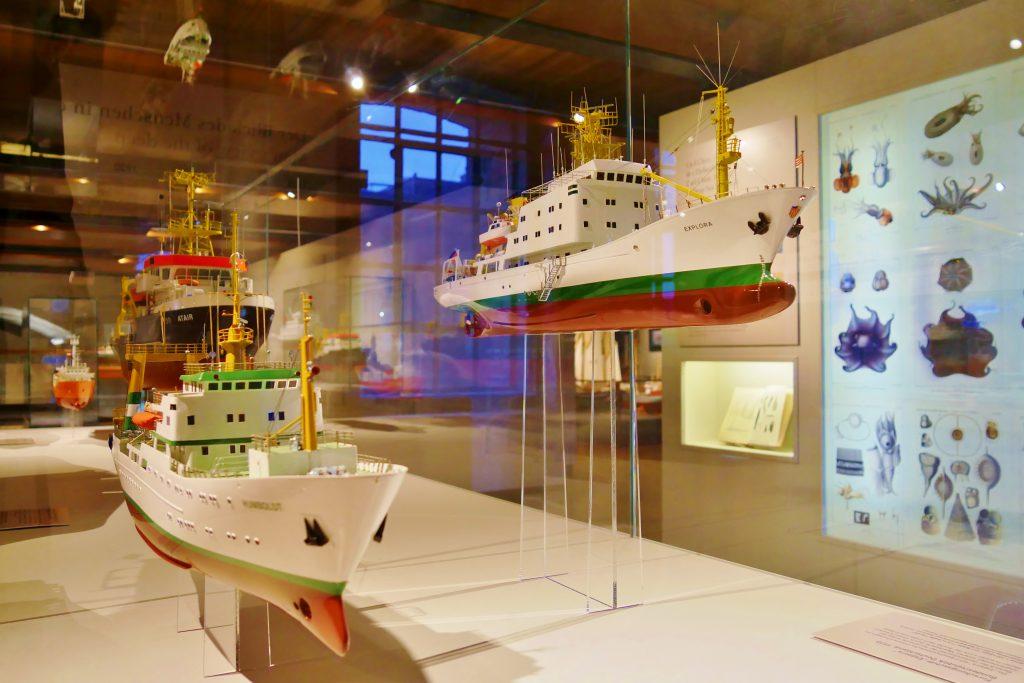 Das Gesamte deck 7 des Internationalen Maritimen Museum Hamburg ist die Geschichte und Zukunft der Meeresforschung gewidmet. Expedition Meer, Forschungsschiffe.