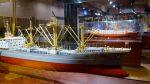 Die moderne Seefart auf Deck 6 des Internationales Maritimes Museum Hamburg. Handelsschiffe. Deck 6: Modern Shipping. Kapitänsführung per Telefon.