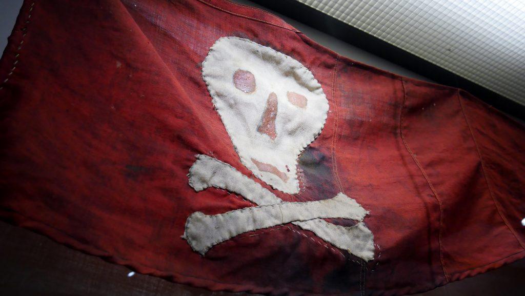 Die Geschichte der Piraterie wird hauptsächlich auf Deck 2 un Deck 5 des Internationales Maritimes Museum behandelt.