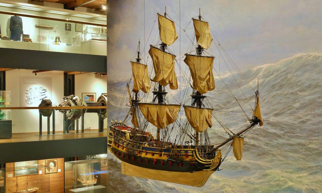 Schiffsmodell der Wapen von Hamburg III auf Deck 2. Internationales Maritimes Museum Hamburg.