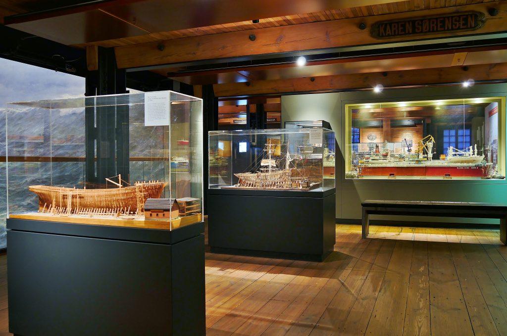 Werftmodelle auf Deck 3. Internationales Maritimes Museum Hamburg.