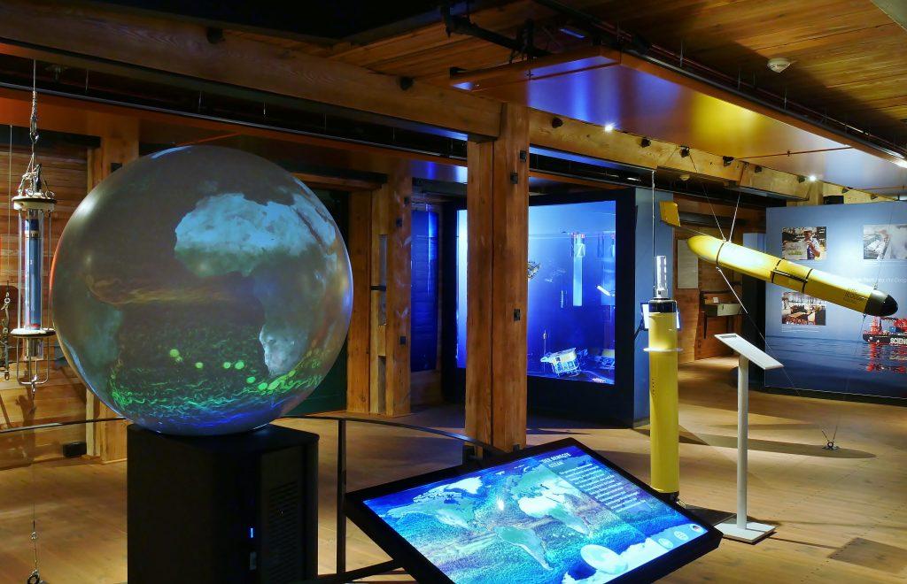 Meeresforschung auf Deck 7. Internationales Maritimes Museum Hamburg.