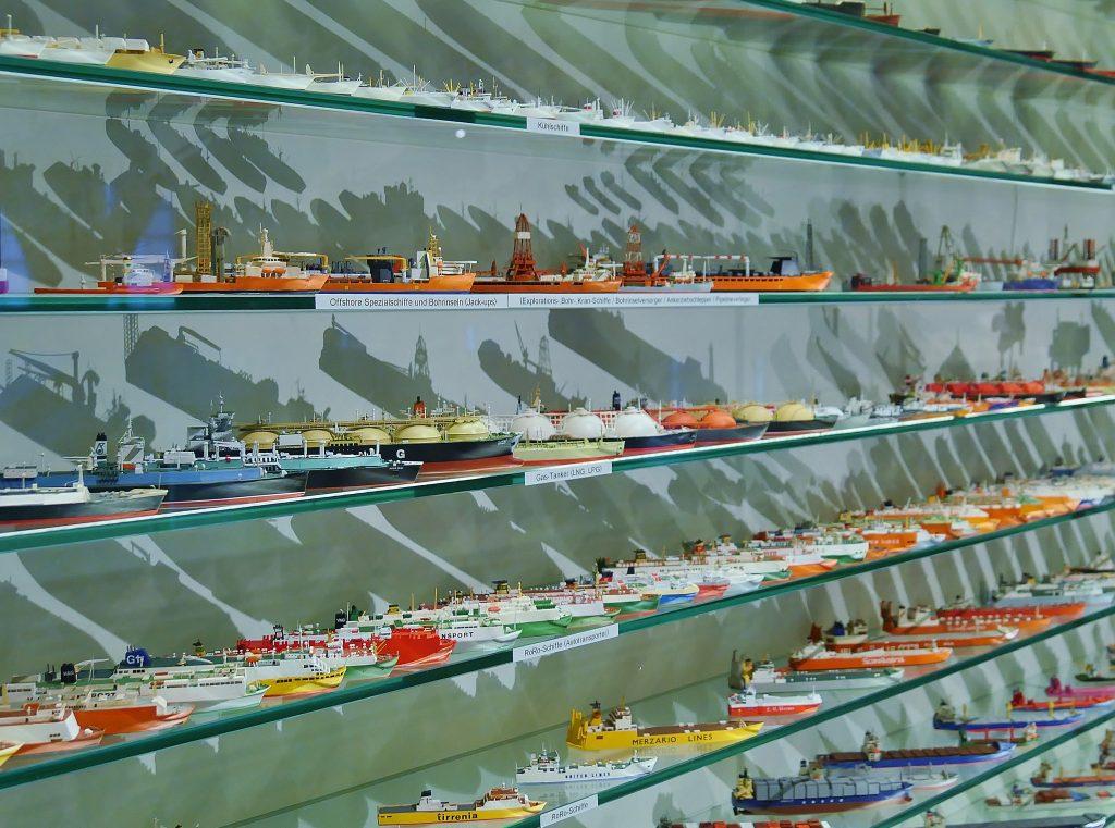 Die über 50.000 kleine Schiffe der Sammlung Peter Tamm auf Deck 9. Internationales Maritimes Museum Hamburg.