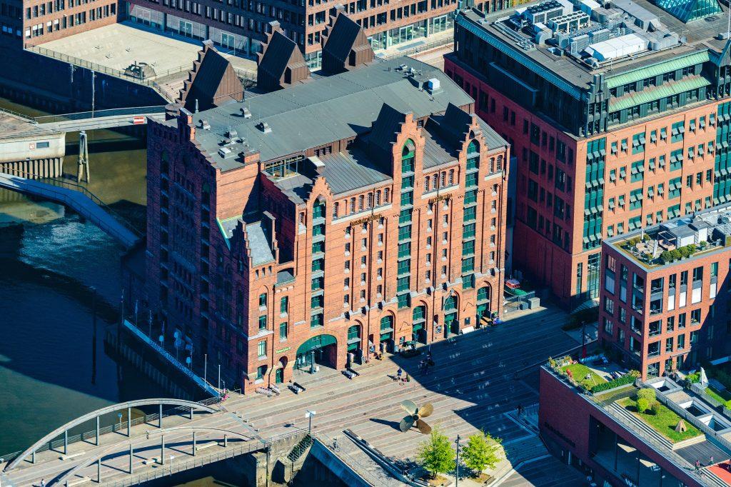 Platz 1 in Hamburg: Luftaufnahme der Kaispeicher B (Internationales Maritimes Museum Hamburg ©Photographie Martin Elsen. Benutzt hier mit die freundliche Erlaubnis des Künstlers.
