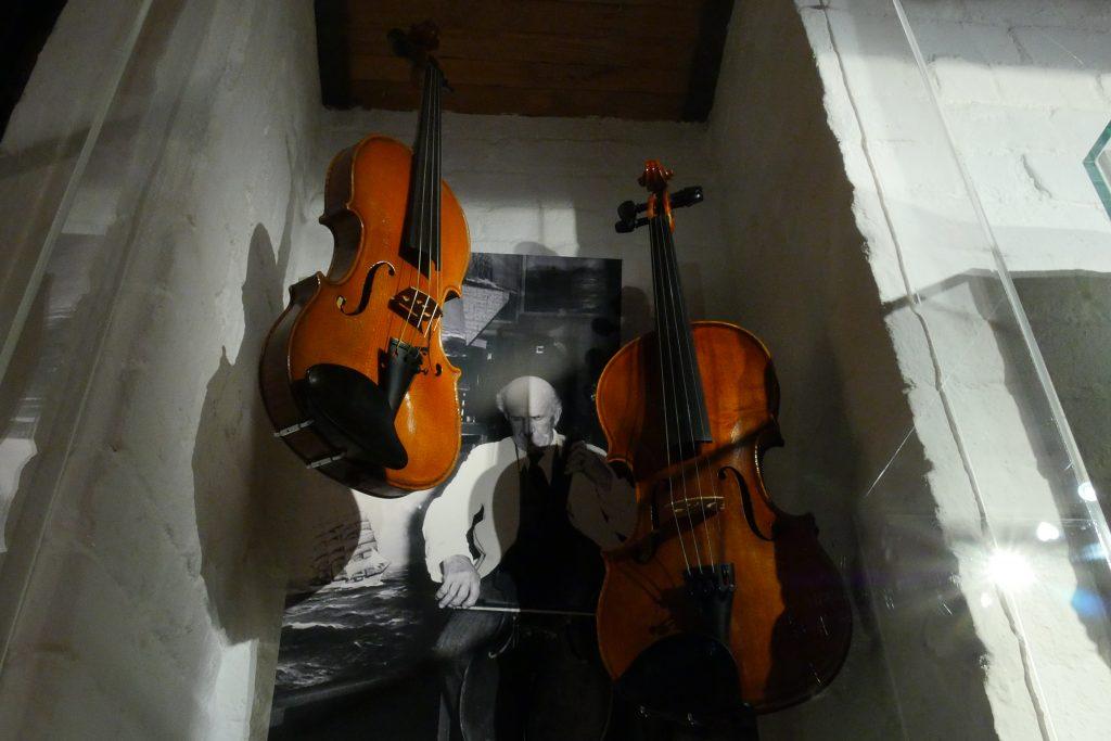 Johannes Holst – Maler, Segler, Musiker, Geigenbauer
