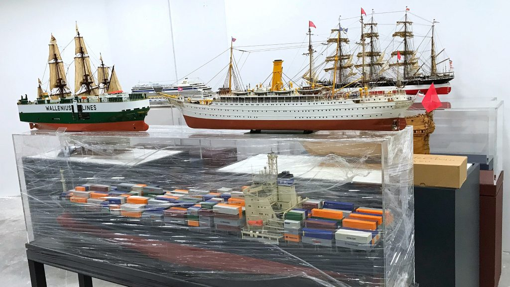 Die Modelle des Internationalen Maritimen Museum Hamburg kommen im Phoenix-Center Harburg an.