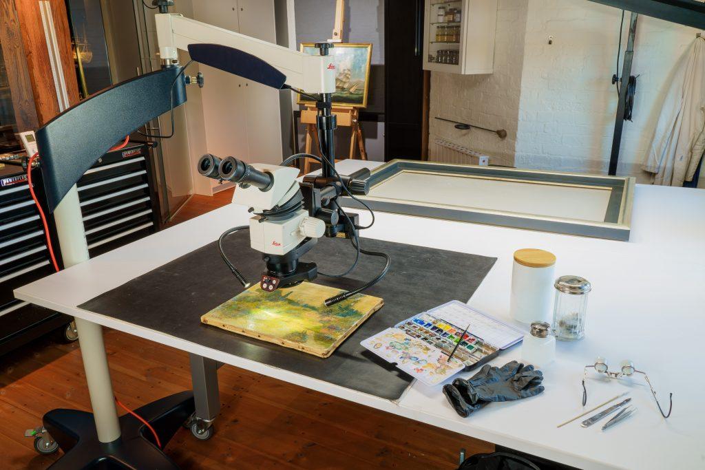 Das gläserne Atelier von Bianca Floss im Internationalen Maritimen Museum Hamburg. Europäische Tag der Restaurierung 2020.