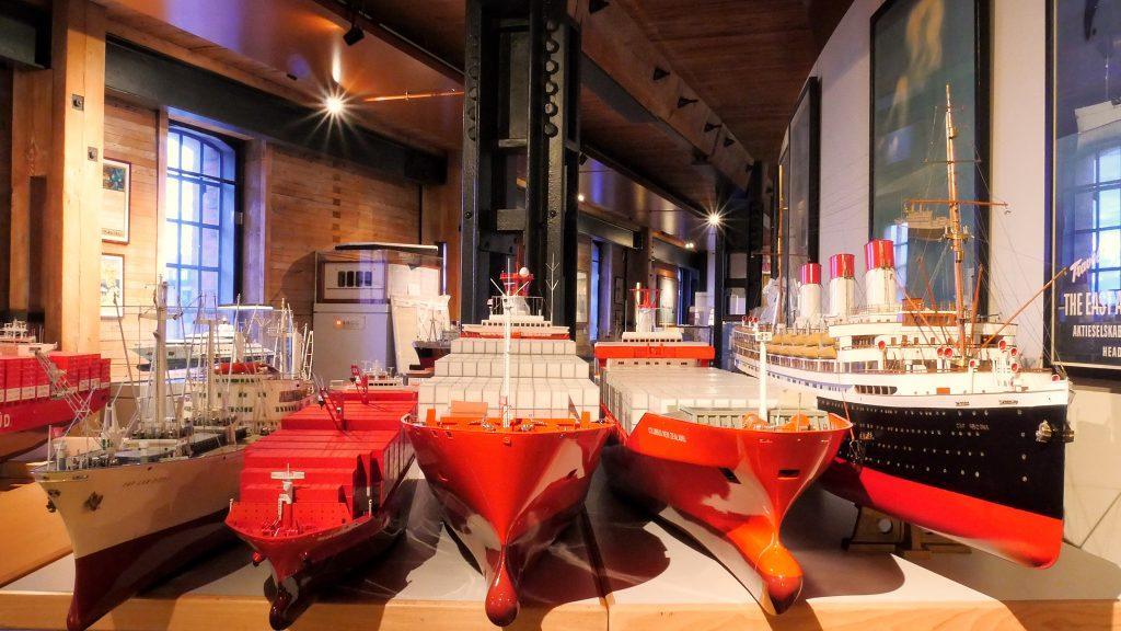 Werftmodelle von Schiffen aus 150 Jahren Hamburg Süd warten im Internationalen Maritimen Museum Hamburg darauf, in der kommenden Sonderausstellung gezeigt zu werden.